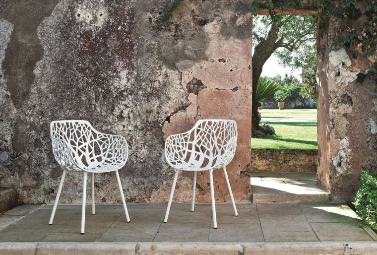 modern patio furniture Forest collection