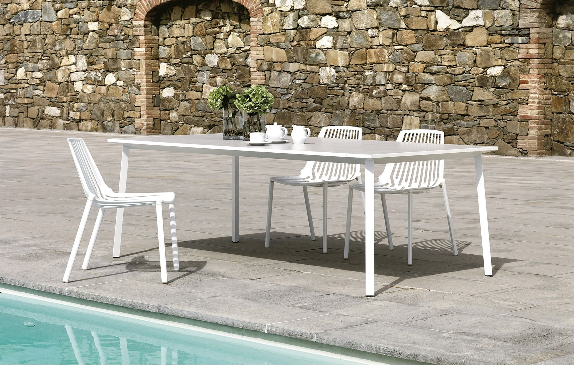 stackable outdoor chairs and stools